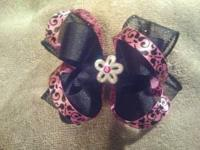 I make custom hair bows for babies all the way up to