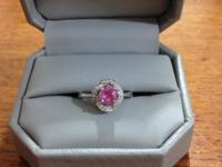 Gorgeous size 6 14K white gold engagement ring. Center