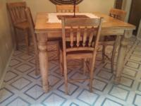 Type:Dining RoomType:TablesBeautiful Large Heavy Duty