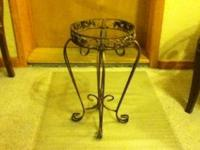 THIS IS A BEAUTIFUL IRON PLANT STAND...55.00...OBO...