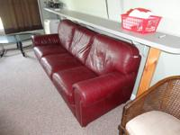 Stunning burgundy leather couch, 3 cushions, in very