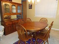 Gorgeous Lion Paw Dining table with 6 Chairs and 1