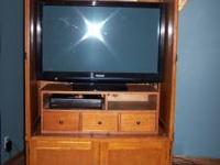 Beautiful Oak Entertainment TV Cabinet: TV cabinet