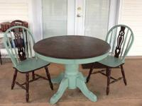 Lovely durable repainted round dining table !!! Top is