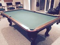 Beautiful Pool table in excellent condition. Inlcudes a