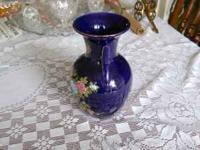 "THIS IS A GORGIOUS VASE 10"" TALL X 7"" WIDE AND TAPERED"