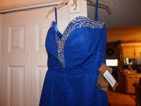 Sale: Absolutely Beautiful NEW, never used Prom Gown in