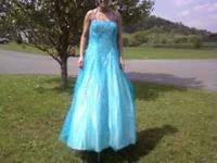 Beautiful *Tiffany & Co* prom dress size 16. Paid 500