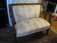 I'm selling a Older Vintage Love Seat, This Beautiful