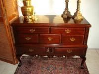 Beautiful Vintage Mahogany Cedar Chest on Legs with