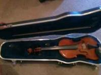 Violin like new, Selling for $300 obo. Can call or text