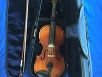4/4 size violin in mint condition, purchased in 2007.