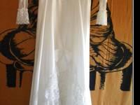 Beautiful Wedding Gown - $150 (Mt Spokane/Mead) This is