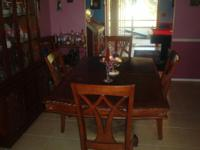 Beautiful dining room set - wood - includes double