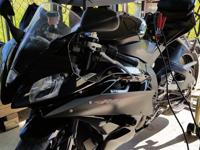 Beautiful black Yamaha YZF motorcycle Raven 6 only few