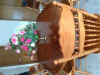 oak dining room set.6 chairs 2 arm chairs and 4