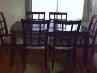 ~*Beautiful Mahogany Dining Room Table with Six