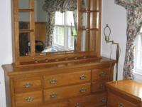 ESTATE SALE cash and carry Beautiful solid oak bedroom