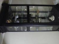 Beautifull China cabinet black. Georgous carved wood