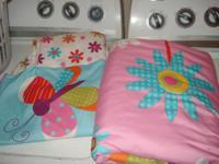 toddler bed flower sheet set top and bottom, pillow