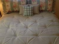 ETHAN ALLEN CUSTOM Queen Bedding Ensemble.