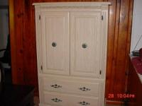 Bedroom furniture - Pine Chest of drawers - dresser