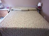 floral bedspread with matching tubular pillow, FULL