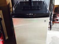 Danby Beer Keg Cooler Model DKC645BLS Less than 2 years