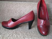 Bella~Vita Italian Leather Shoes Size: 8 1/2 Medium