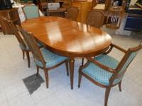 Antique Belvedere Dining Table w/ 2 Leaves and 6 Chairs