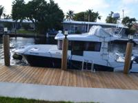 This 2013 30' Beneteau Barracuda has been captain