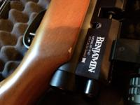 Benjamin Marauder.177 It comes with a Hawk panaromic