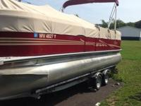 Bentley Pontoon Boat for sale 24 ft 115 mph Looks Brand