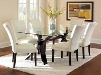 This Berkley dining room table set comes with the