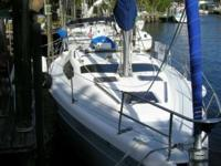 Description The Hunter 376 is a very comfortable family
