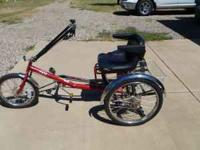 Tricycle PAV3 semi-recumbent ergonomic confortable