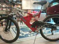 MONGOSE BICYC LE FOR SALE MOUNTAIN BIKE RED EXCELLANT