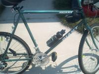 "This is a 28"" Mountain Bike, It is hammer green and has"
