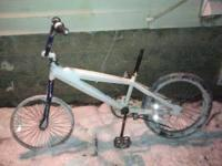 This is a mongoose bike. It has no tire or intertube.