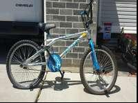 this is a great bike, asking $40.00 or best offer. text