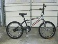 Mongoose 20 inch Hoop D-Team Issue bike The tires look