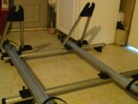 Hi I'm selling my bike rack can be use with cargo rails