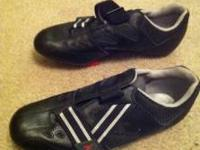 Size 10.5 Diadora black bike shoes with Look pedal