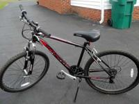 "SCHWINN (SIDEWINDER) MEN'S MOUNTAIN BIKE, 26"" 21 SPD,"