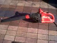 Black and Decker electric leaf blower in great