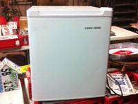Black and Decker Mini 1.7 cubic feet Refrigerator.