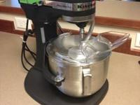 Like new condition and hardly used  Comes with whisk ,
