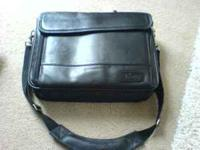 Targus black leather laptop case in excellent condition