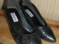Black Of Course Leather Heels Size 10M Right shoe has
