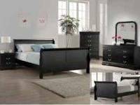 Beautiful Black bedroom set. This set includes Queen